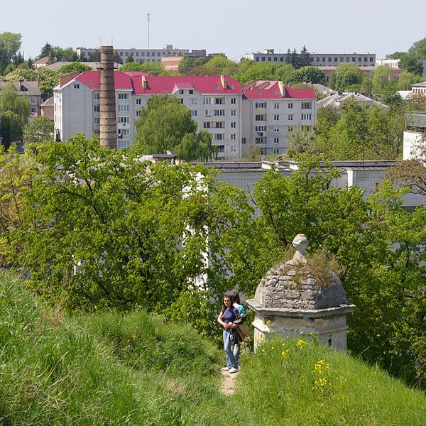 Поселок Золочев